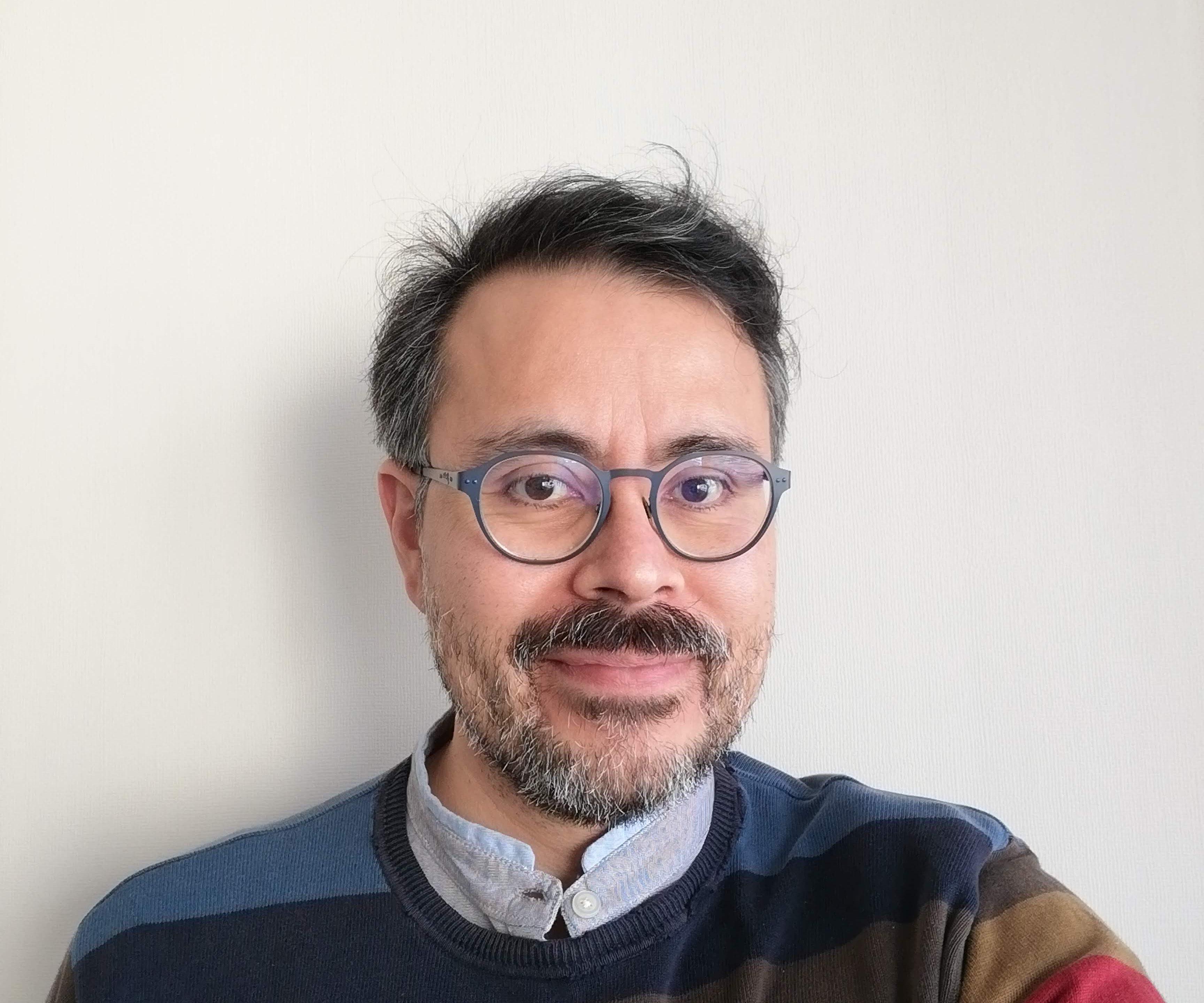 Roberto A. Lineros
